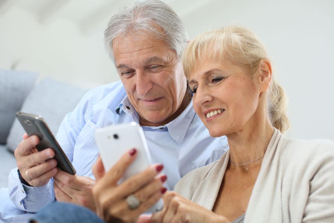 formation-informatique-seniors-smartphone-e1459171388482